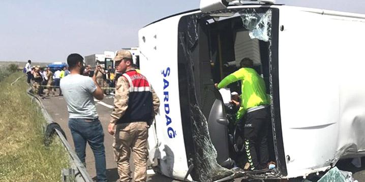 1 Mayıs yolunda kaza: 5 ölü 15 yaralı