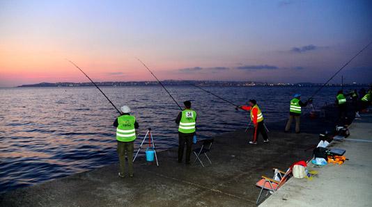 200 Olta Balıkçısı Beylikdüzü'nde yarıştı