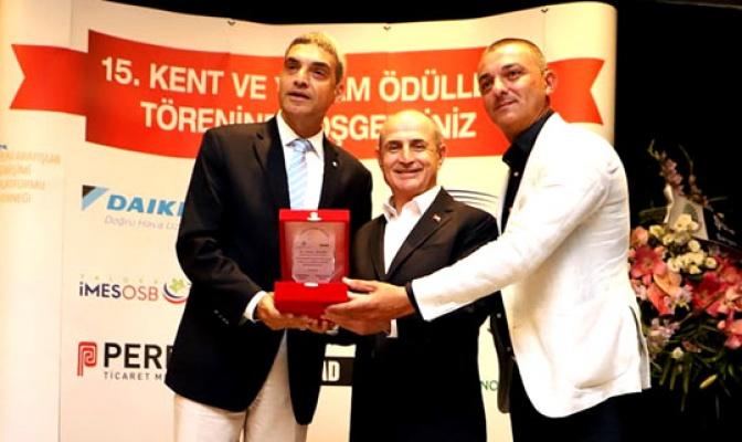 """Akgün'e """"En Başarılı Belediye Başkanı Ödülü"""""""