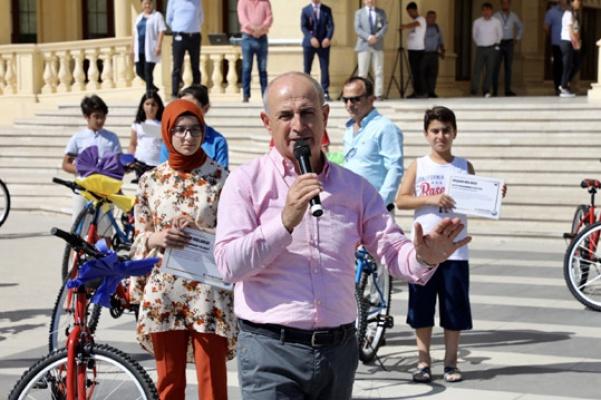Başarılı öğrencilere 143 adet bisiklet dağıtıldı