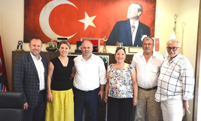 CHP'lilerden AK Partili Başkan Üner'e ziyaret