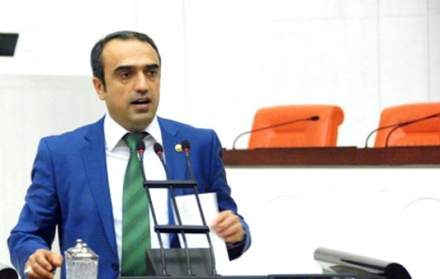 AK Parti Kurucusu Cuma İçten istifa etti