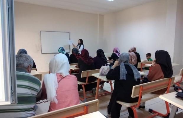 Esenyurt Belediyesi'nden sağlıklı beslenme semineri