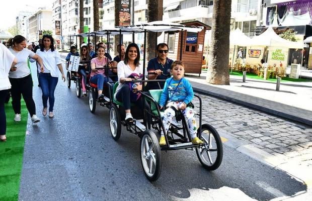 İzmir'de otomobilsiz sokaklar