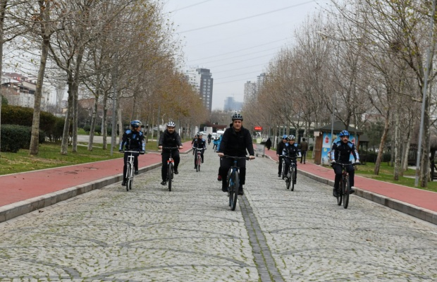 Başkan Bozkurt ögrencilerle pedala bastı