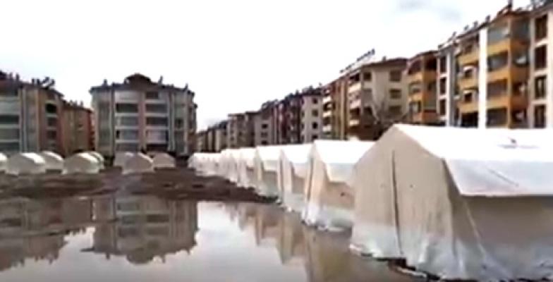 Elazığ'da Çadırkentleri su bastı