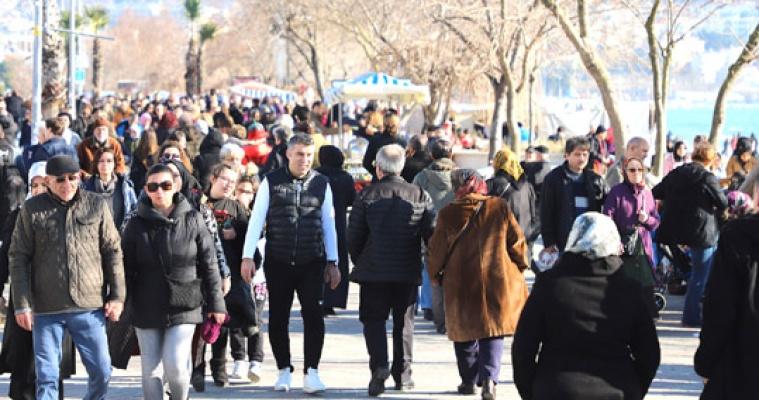 İstanbul Büyükçekmece'ye akın etti