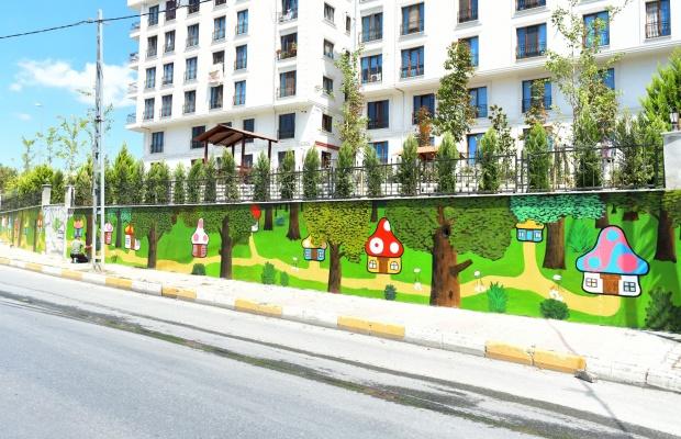 Parkların duvarları çocuklar için renklendirilyor