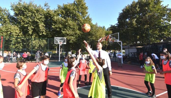 Aydan Siyavuş basketbol sahası açıldı