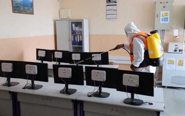 Büyükçekmece'de okullara dezenfekte
