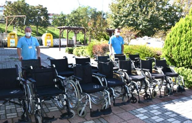 Silivri'de belediyeden hastalara tekerlekli sandalye
