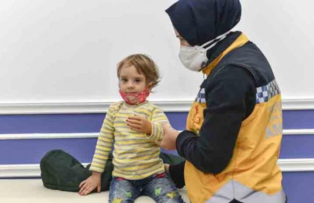 2.5 yaşındaki Rabia'ya protez kol