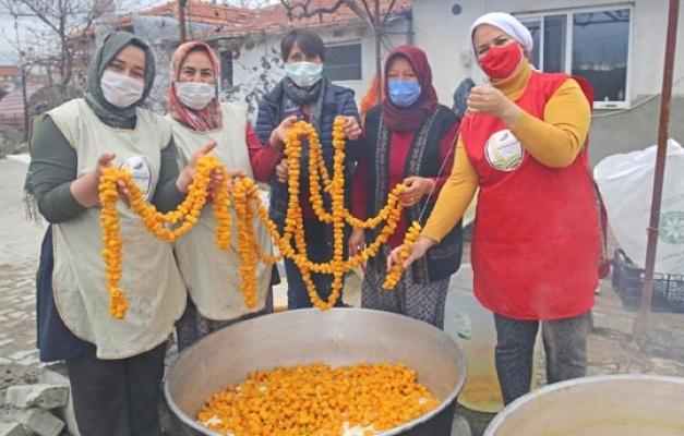 KORKOOP kadınlarından turunç kabuğundan reçel