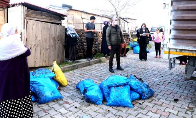 Büyükçekmece'de bin aileye kömür dağıtıldı