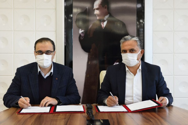 Bin 500 hekim Muratpaşalılar için internette