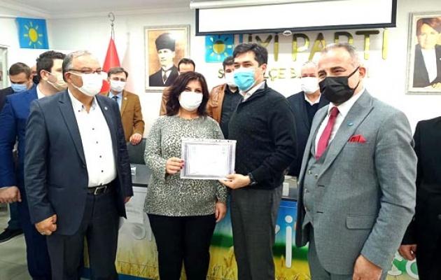İYİ Parti Silivri'ye 112 yeni üye daha