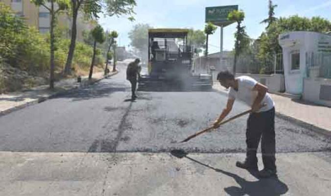 Avcılar'da sıcak asfaltlama
