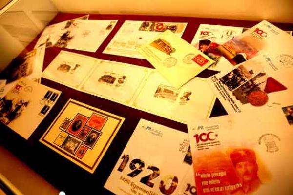 Küçükçekmece'de Mili kartpostallar sergisi