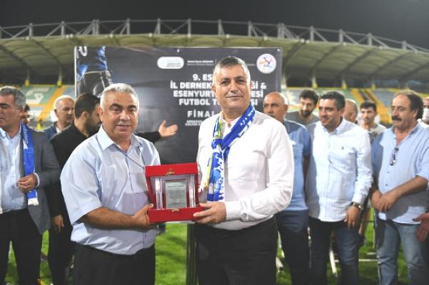 Bozkurt'tan şampiyon Ardahan Kültürevine'ne kupa