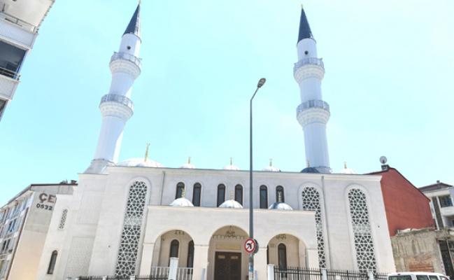 Esenyurt'ta Bulut Camii ibadete açıldı