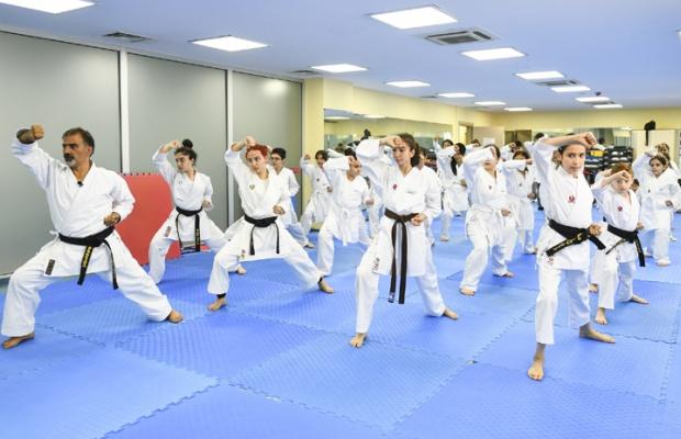 Esenyurt'ta çocuklardan karateye ilgi