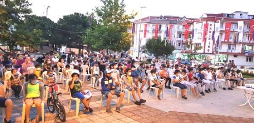 Silivri Belediyesi'nden yazlık sinema keyfi