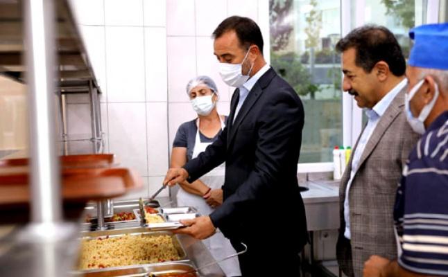 Başkan  Volkan  Yılmaz  Silivri Cemevi'nde