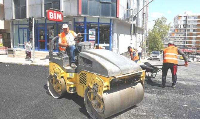 Esenyurt'ta bir cadde daha asfaltlandı