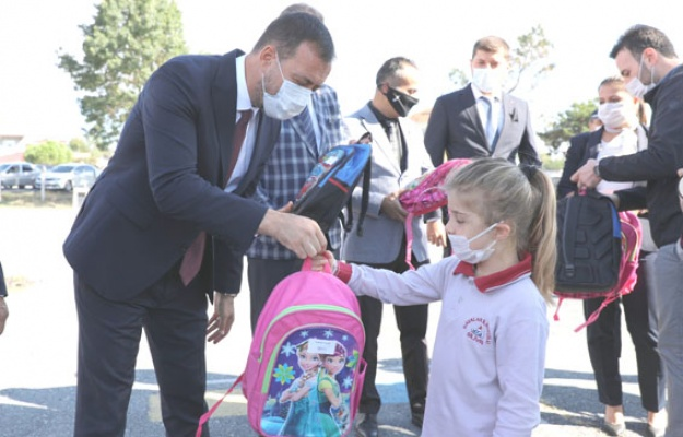 Silivri Belediyesi'nden okul çantası hazırlığı