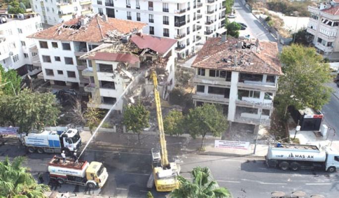 Büyükçekmece'de hasarlı bina kalmayacak
