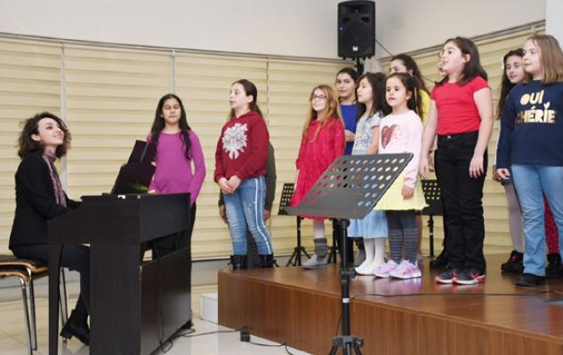 Müzik akademisi genç yetenekleri bekliyor