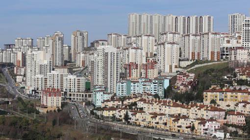 Akgün: İhanet görmek isteyen Bahçeşehir'e baksın!