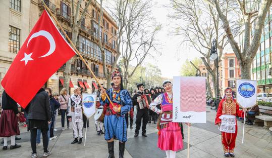 Altınköprü İspanya'da Türkiye'yi temsil ediyor
