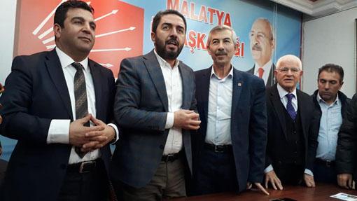 ARAPGİR BELEDİYE BAŞKANI CHP'YE KATILDI