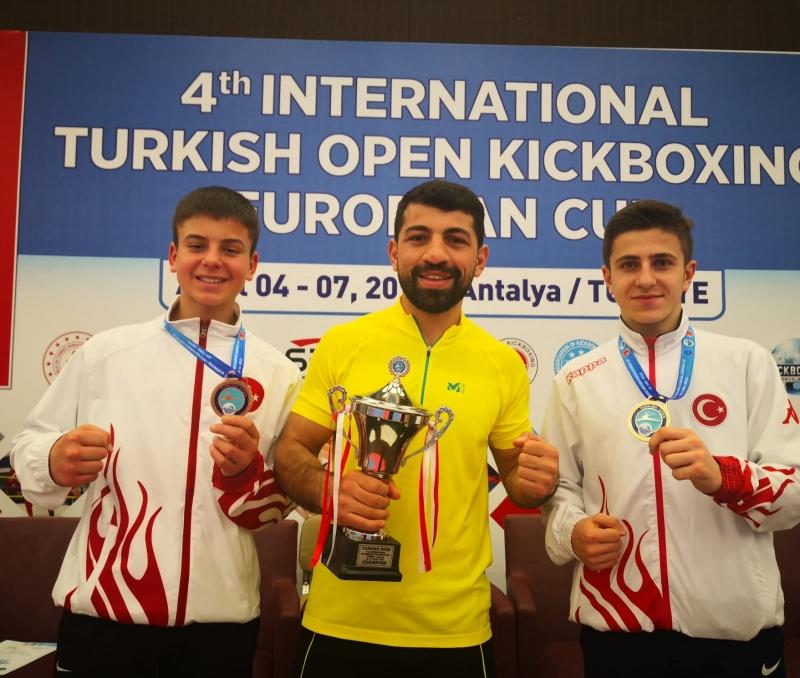 Avrupa Kick Boks Şampiyonları Büyükçekmece'den çıktı