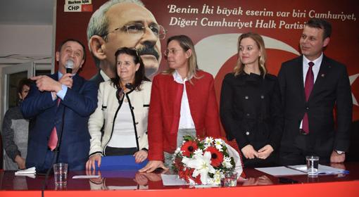 BAĞIMSIZ MECLİS ÜYESİ CHP'YE KATILDI