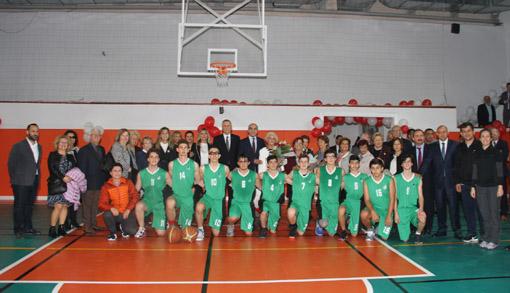 Bakırköy Anadolu Lisesi Spor Salonuna kavuştu