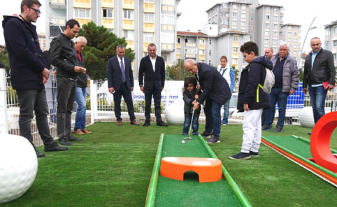 Büyük Atatürk Parkı'nda mini golf keyfi