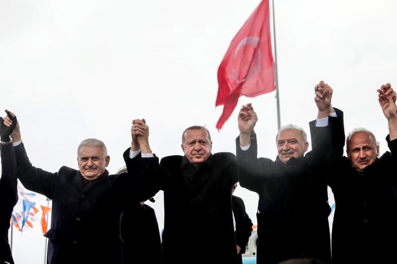 Erdoğan da Büyükçekmece'ye metrobüs vaat etti