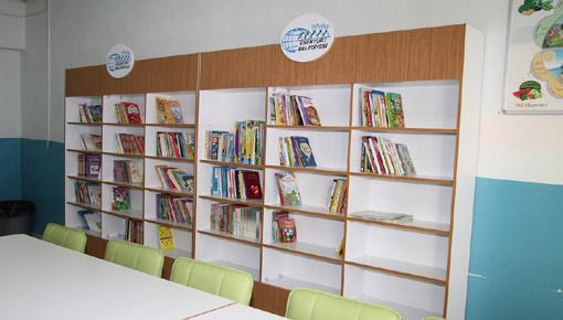 Esenyurt Belediyesi'nden 15 okula 13 bin kitap