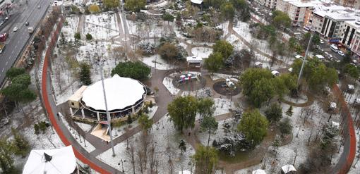 Esenyurt'ta kış ve kentin iki yüzü