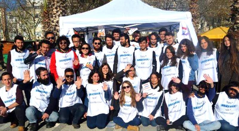 Hukuk öğrencileri Silivri'de hayır çalışması yaptı