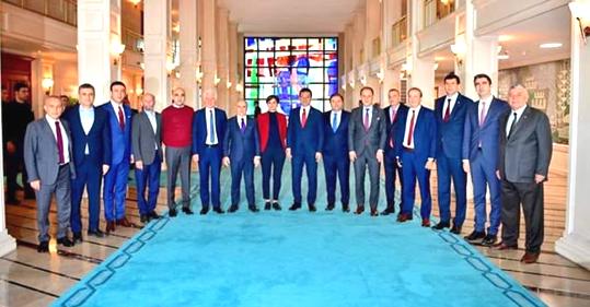 İmamoğlu CHP'li başkanlarla bir araya geldi.