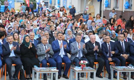 Karadeniz: Çocuklara öz güveni kazandırmak  zorundayız