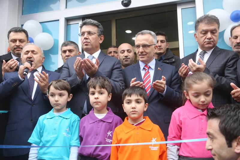 Maliye Bakanı Ağbal Bilgi Evi açtı