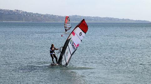 Rüzgar Sörfü Slalom Türkiye Şampiyonası Büyükçekmece'de yapıldı