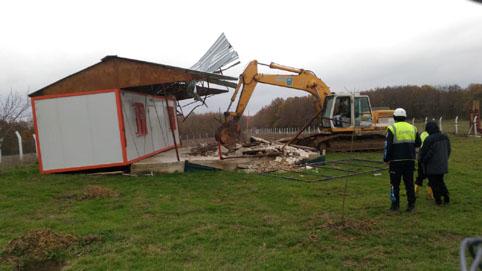 Silivri'de imar affını suistimal eden kaçak yapılar yıkıldı