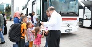 200 Suriyeli daha Esenyurt'tan ayrıldı