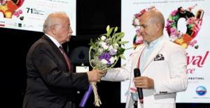 Basın Onur Ödülü Ekşi'ye verildi