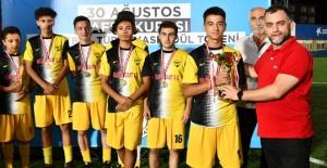Zafer Kupası İstanbul Demirspor#039;un...